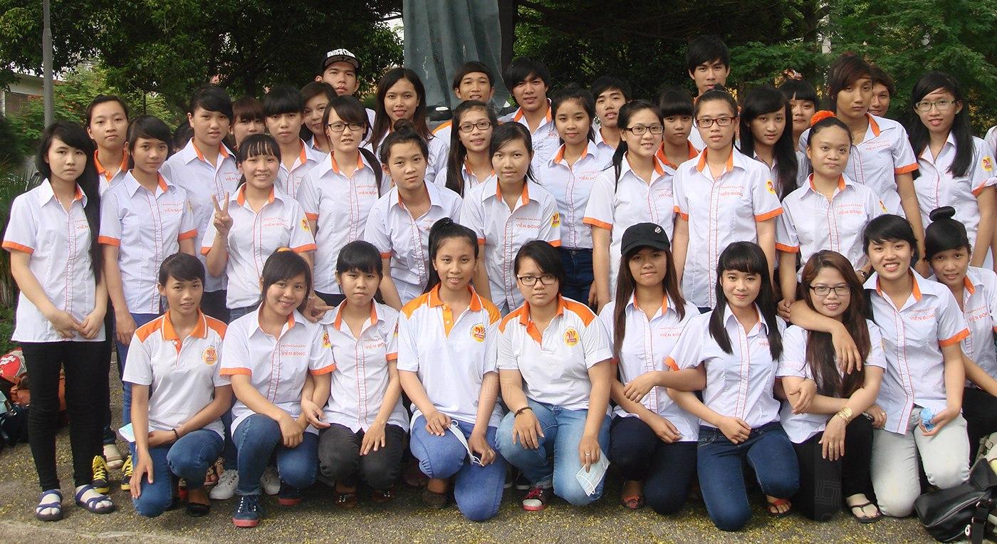 Khách hàng may áo thun đồng phục đẹp tại GLU